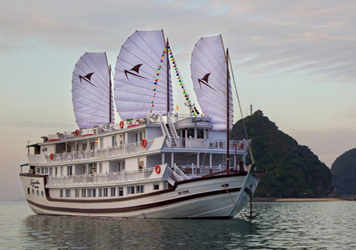 Signature Royal Cruise - My Way Travel Specialist tours in Vietnam, Cambodia, Myanmar, Laos & Thailand.